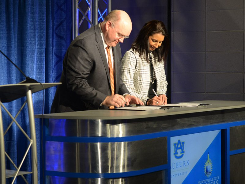 Auburn Representative and Christie Finley sign MOU for Advanced Manufacturing